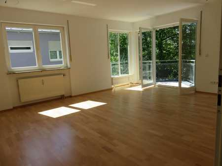 ruh., gepflegte 3 Zi-Wohnung, BLK mit Blick ins Grüne, frei, kleine Anlage in Pasing (München)