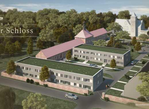 Hochwertig ausgestattete 4-Zimmer Wohnung im begrünten Schlosshof mit Terrasse