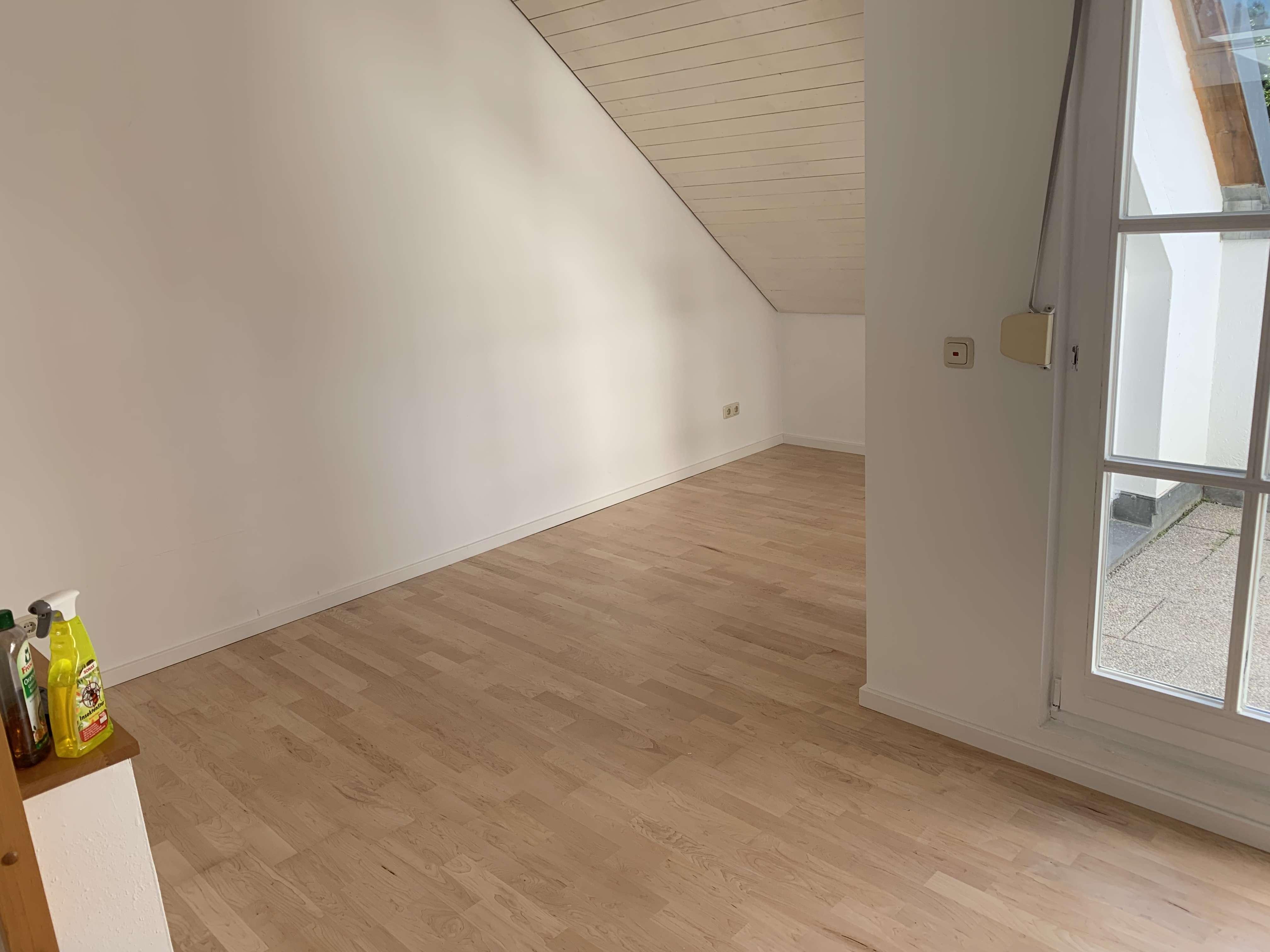 Gepflegte 2-Zimmer-Wohnung mit Loggia in Aystetten