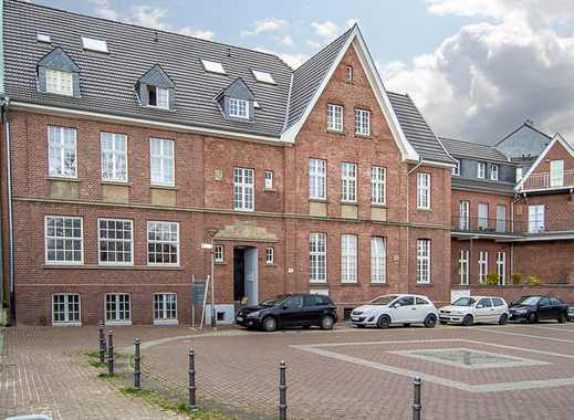 Wohnen im Denkmal... Wohnung mit Souterrain + Wintergarten + Terrasse + 4 x PKW-Stellplatz...