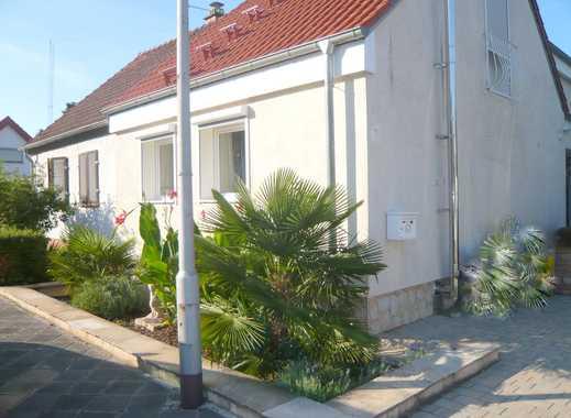 Zwei Generationenhaus mit großem Grundstück, wunderschöne Gartenanlage mit Schwimmingpool 8 m x 5 m