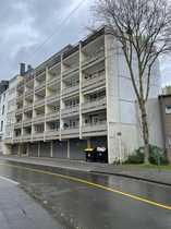 Entwicklungsfähige Eigentumswohnung mit Balkon und
