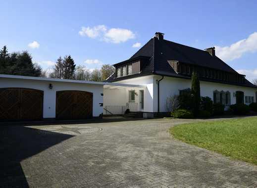 Exklusive  Fam. Villa mit Parkgrundstück in Toplage