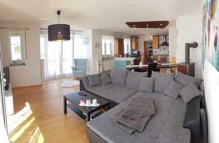 Gepflegte Wohnung mit drei Zimmern sowie Balkon und Einbauküche in Kirchdorf a. d. Amper in Kirchdorf an der Amper