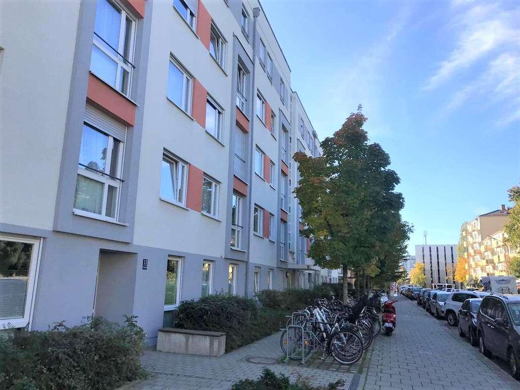 Schöne moderne zentral gelegene Wohnung mit Südterrasse in Milbertshofen (München)