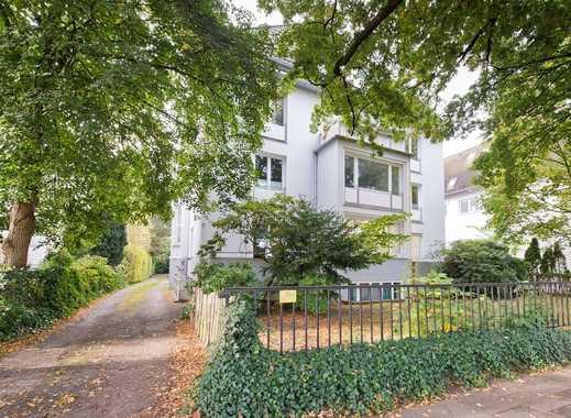 Äußerst hochwertige, individuelle Maisonette-Wohnung in freistehender Villa
