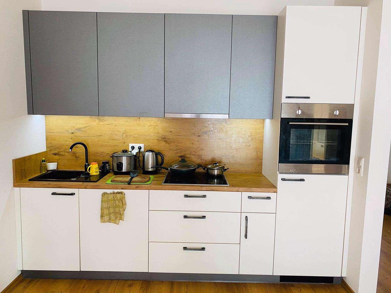 Helle und schöne 1-Zimmer Wohnung mit dem Balkon in Deggendorf in