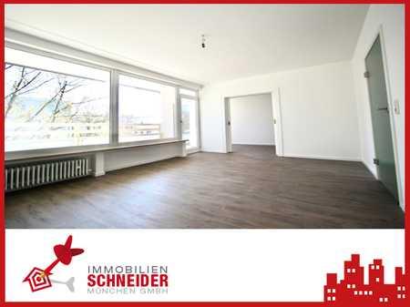 IMMOBILIEN SCHNEIDER - Neuhausen - Komplett sanierte wunderschöne 4 Zimmer Wohnung mit EBK, Loggia in Neuhausen (München)