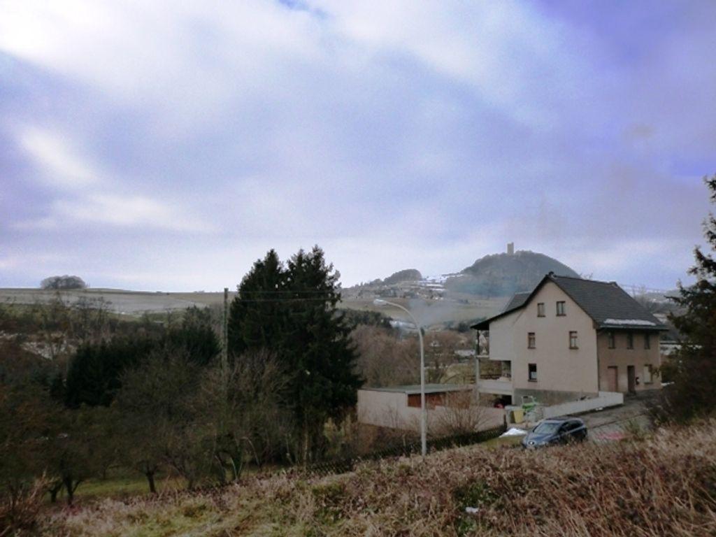Grundstück mit Burgblick