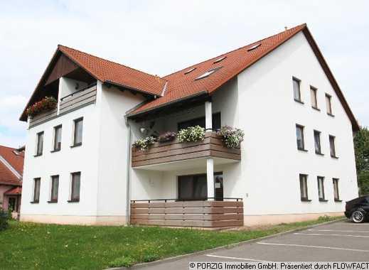 Moderne Dachgeschosswohnung mit Balkon in Langenhessen!