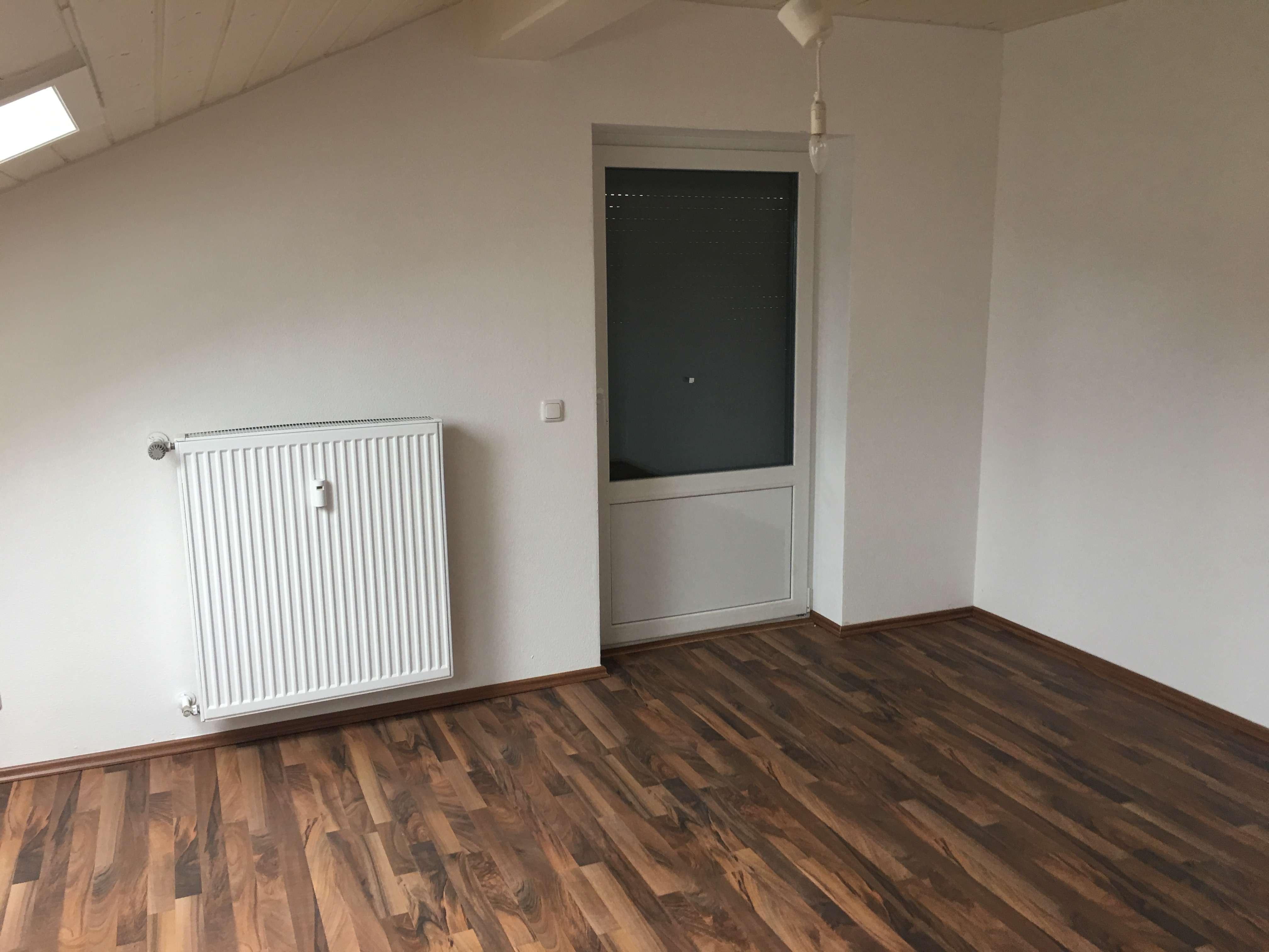 Schöne vier Zimmer Wohnung in Landshut (Kreis), Weihmichl in