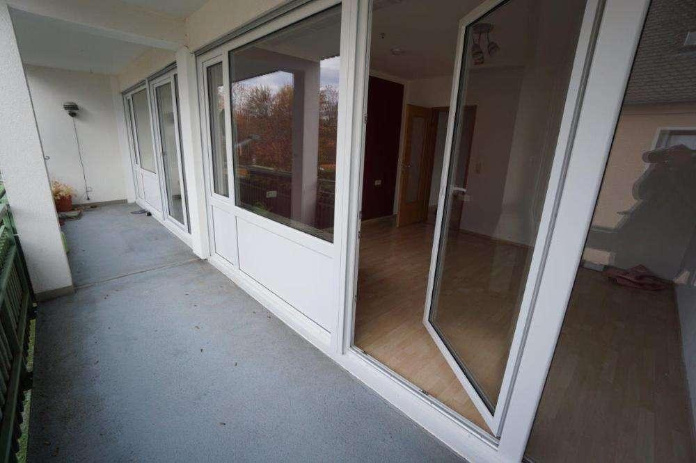 Helle, modernisierte Wohnung mit großem Balkon in