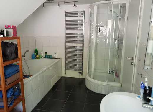 Gepflegte 3-Zimmer-Maisonette-Wohnung mit Balkon und EBK in Siegen