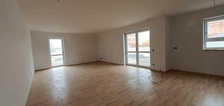 ...Erstbezug - große 3-Zimmer-Wohnung mit EBK und 12m² überdachtem Balkon... in Mühldorf am Inn