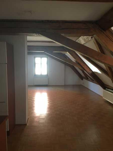 Attraktive 1-Zimmer-Dachgeschosswohnung mit EBK in Amberg in Amberg