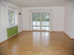 es fehlt an nichts m bliertes appartement der extraklasse. Black Bedroom Furniture Sets. Home Design Ideas