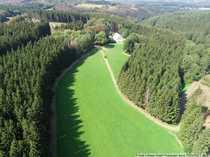 Forstbesitz mit Forstgehöft und Grünland