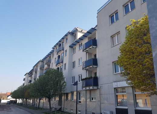 Schöne Zwei-Raum-Wohnung - kein Plattenbau - Aufzug - Balkon -provisionsfrei