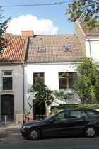 Künstlerhaus mit Nebengebäude sucht neuen