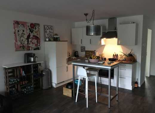 Attraktive 2-Zimmer-Erdgeschosswohnung mit Einbauküche und Terrasse in Raderthal, Köln