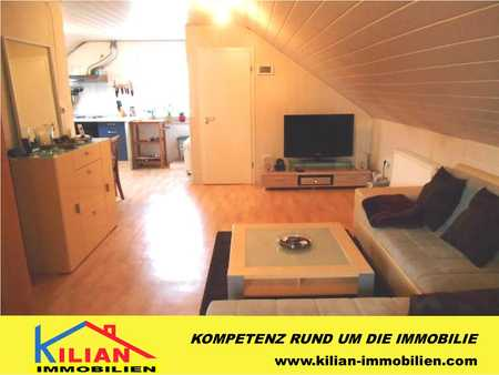 KILIAN IMMOBILIEN!  1 ZI. APPARTEMENT IM DACHGESCHOSS MIT 45 M² IM 2-PART.-H. IN ROTH! EBK * GARAGE in Roth (Roth)