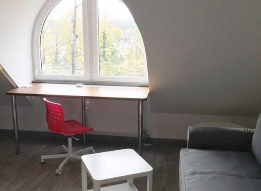 voll möbliertes Appartement im Dachgeschoss