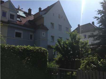 Wohnen am Lech! Gehobene, renovierte 5-Zimmer-Maisonette-Wohnung mit Einbauküche in Augsburg in Lechhausen (Augsburg)