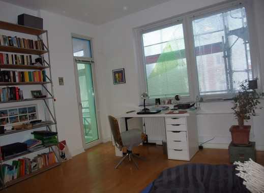 Helle, gut geschnittene drei Zimmer Wohnung in Hamburg, Rotherbaum