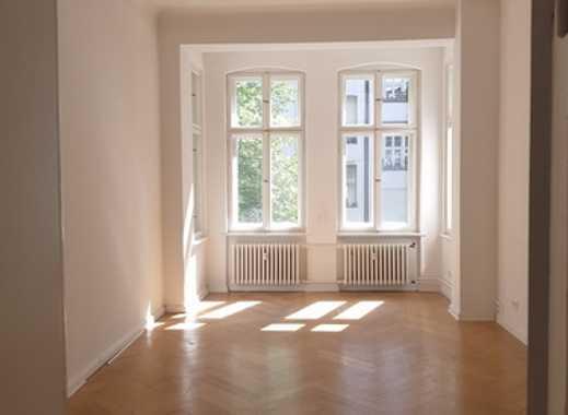 ** BES. FR. 24.08.18 um 14.00 Uhr ** Schöne und große 4 Zimmer- Altbauwohnung in ruhiger Lage