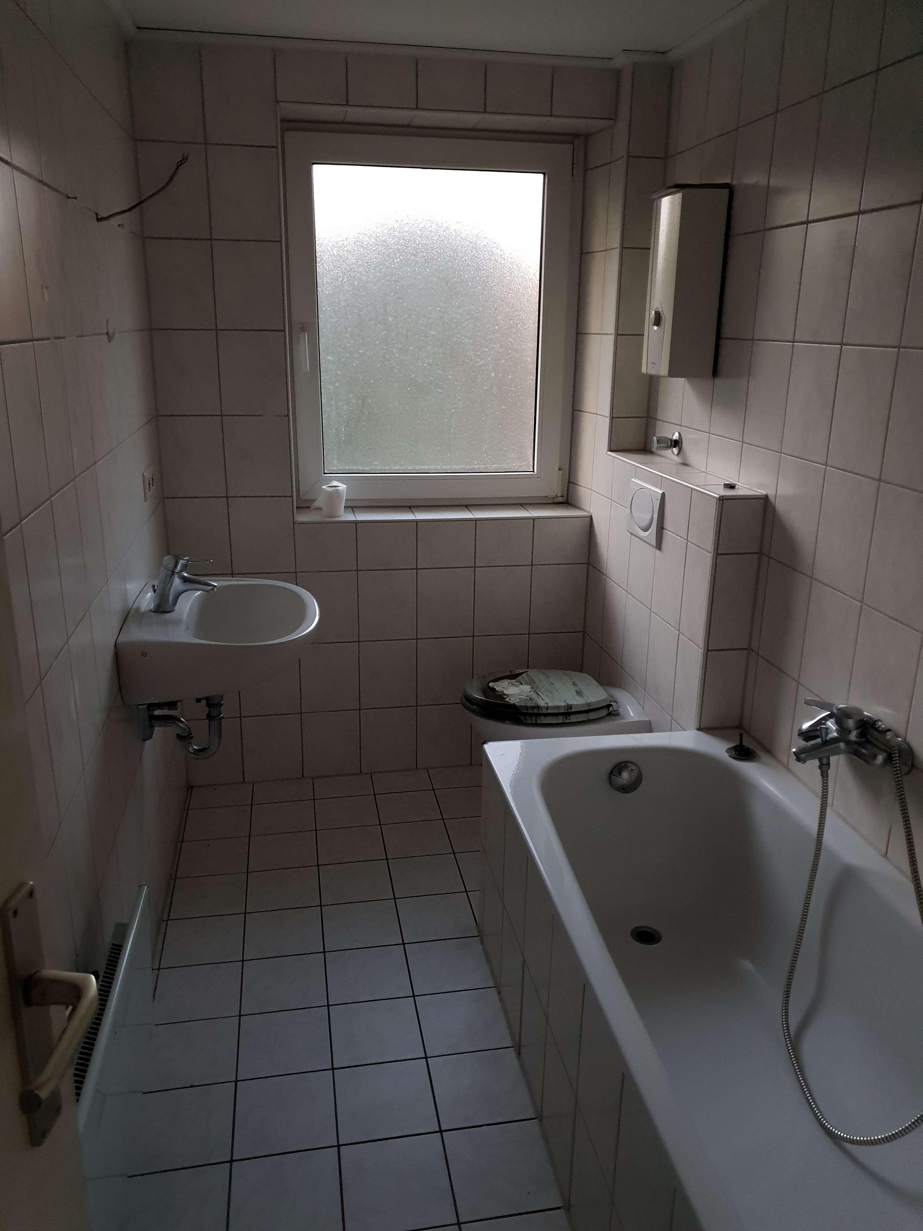 Helle 2 Zimmer-Wohnung mit Badewanne in Redwitz an der Rodach