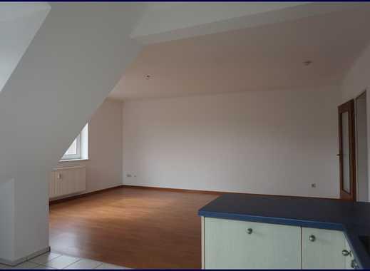 Großzügige 2-Zimmer-Maisonette-Wohnung mit Studio, Balkon und Einbauküche in Norderstedt
