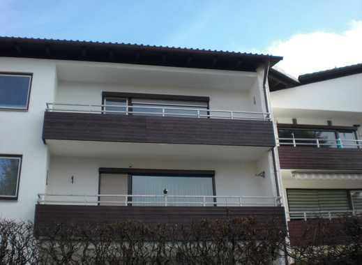 Großes Wohnzimmer: 3-Zimmer-Etagen-Balkon-Wohnung mit S/W-Alpenblick.
