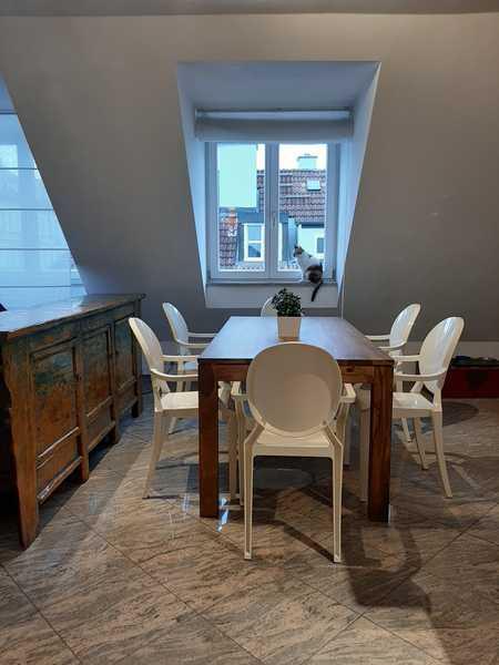 Provisionsfrei 3,5-Zimmer-DG-Wohnung in Bogenhausen, kann komplett möbliert und ausgestattet werden. in Bogenhausen (München)