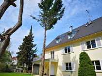 Renovierte 4 5-Zimmer-Altbau-Wohnung mit Wintergarten und
