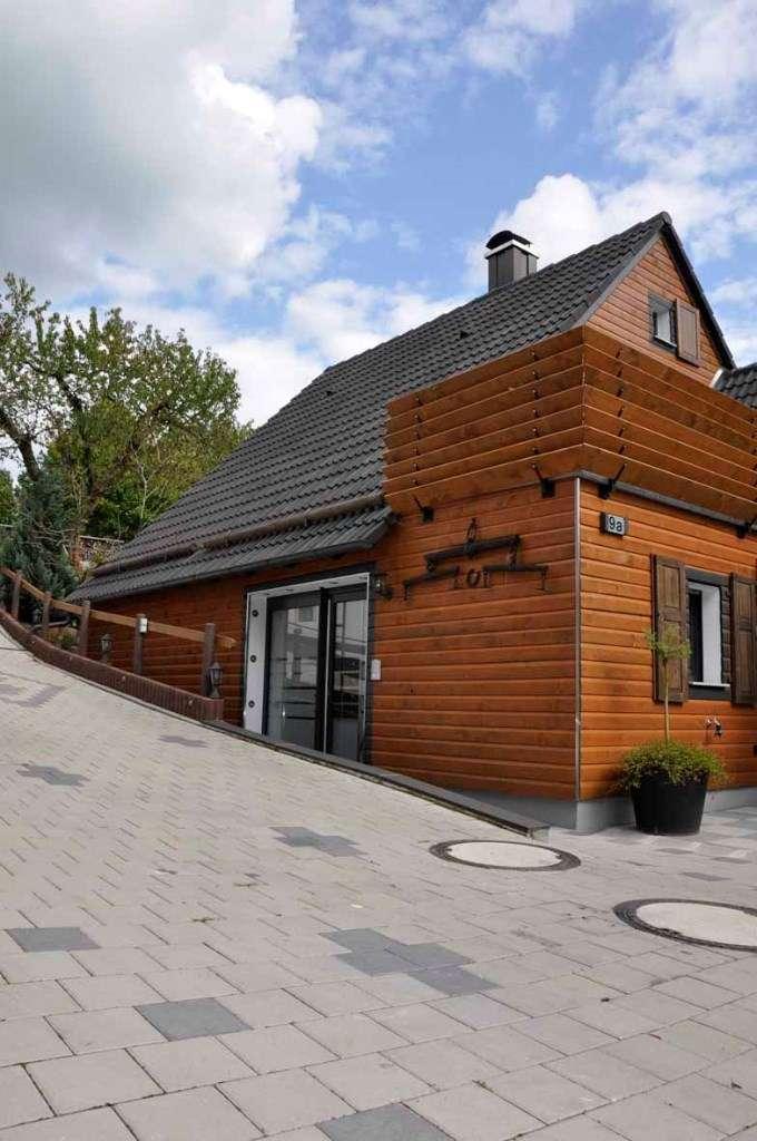 Modernisierte 3,5(kleinere)Zimmer-Dachgeschosswohnung mit Balkon und EBK in OT Elbersroth- Herrieden