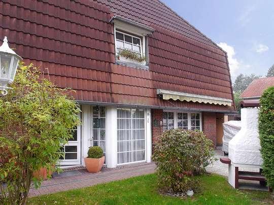 Attraktive Doppelhaushälfte mit Kamin, Pool und Sauna auf kleinem Grundstück - Bild 2