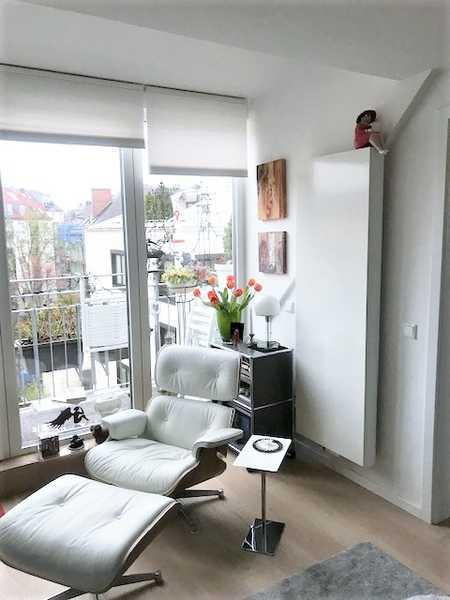 """Wunderschöne 2-Zimmer-Dachgeschosswohnung mit Balkon - Nahe """"Münchner Freiheit"""" in Schwabing (München)"""