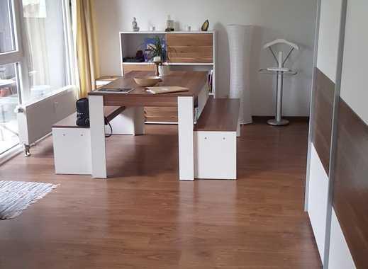Helle, ruhige und gemütliche Wohnung mit guter Anbindung