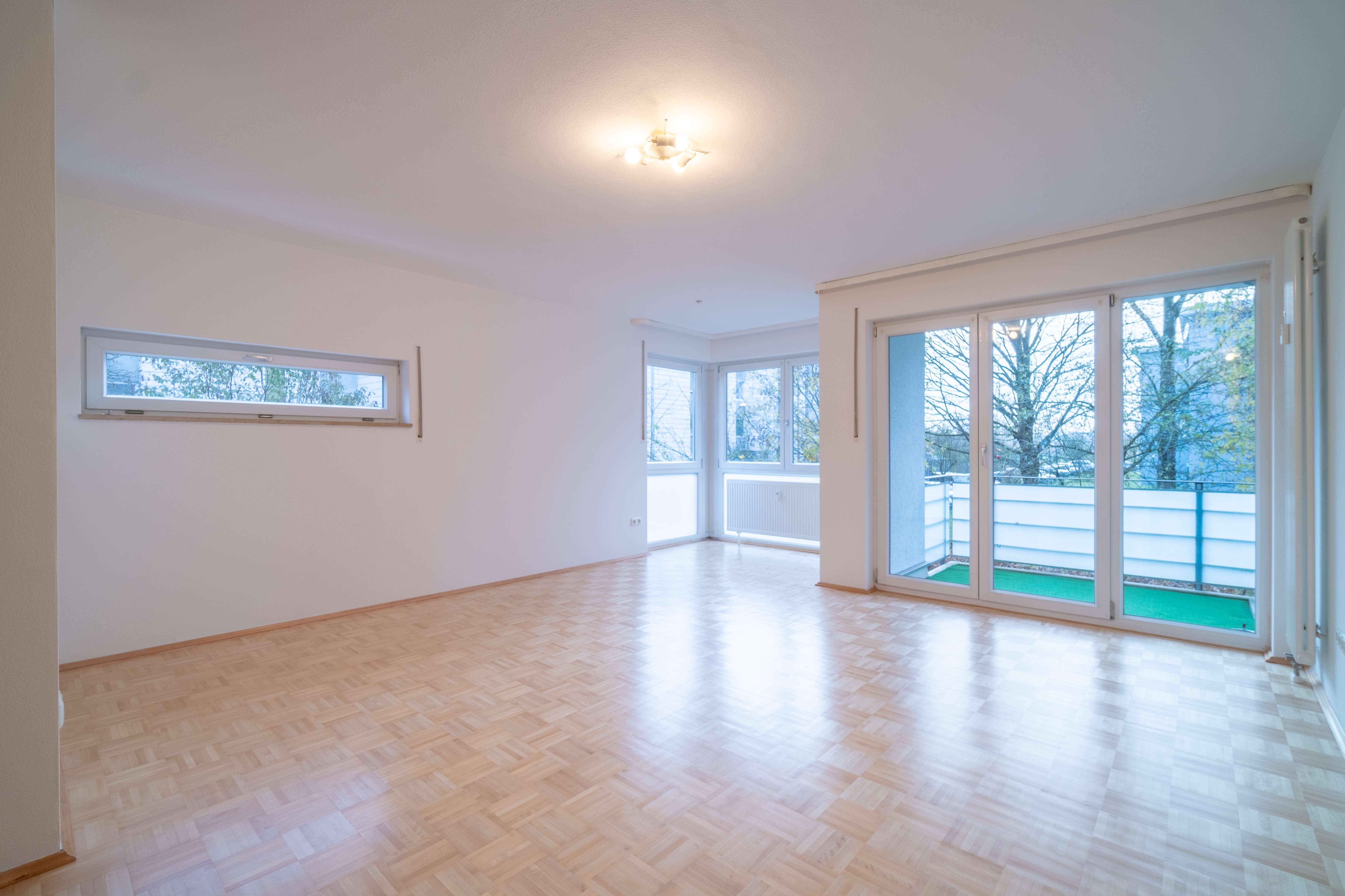 Erstbezug nach Sanierung: exklusive 4-Zimmer-Wohnung mit EBK und Balkon in Neufahrn bei Freising in Neufahrn bei Freising