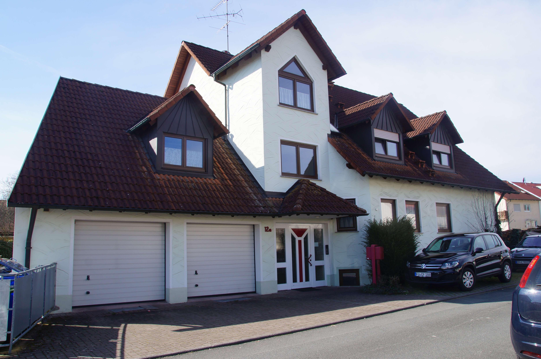 Moderne 2,5-Zimmer-Wohnung über zwei Ebenen in Erlangen-Dechsendorf in