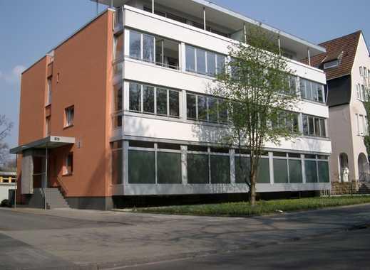 Großzügige 3-Raum-Wohnung in Krefelder Bestlage im Bismarckviertel !
