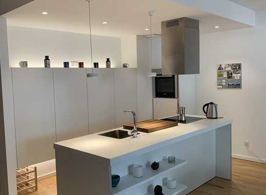 Schöne, geräumige zwei Zimmer Wohnung in Frankfurt am Main, Ostend