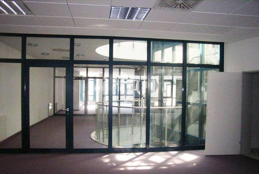 Büroeingang im Objekt