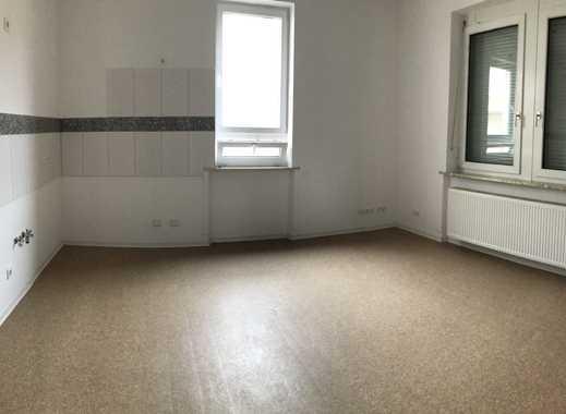 Geräumige, vollständig renovierte 2-Zimmer-EG-Wohnung zur Miete in Böhl-Iggelheim