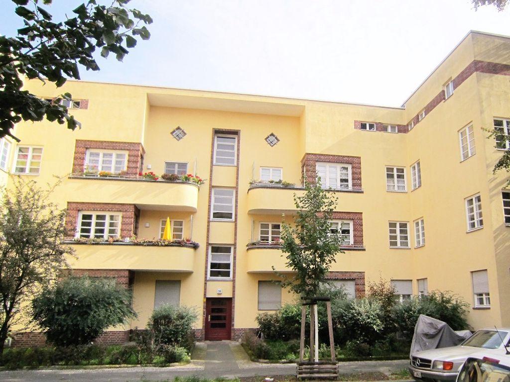 Sanierte 4 Zi-Bauhauswohnung, Balkon plus Loggia, modernes Bad, Gas ...