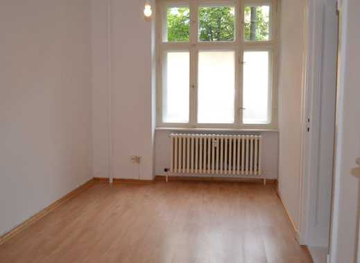 Bezaubernder Stuckaltbau - Singleapartment -moderne Ausstattung - ca. 36 m² - 583 € warm