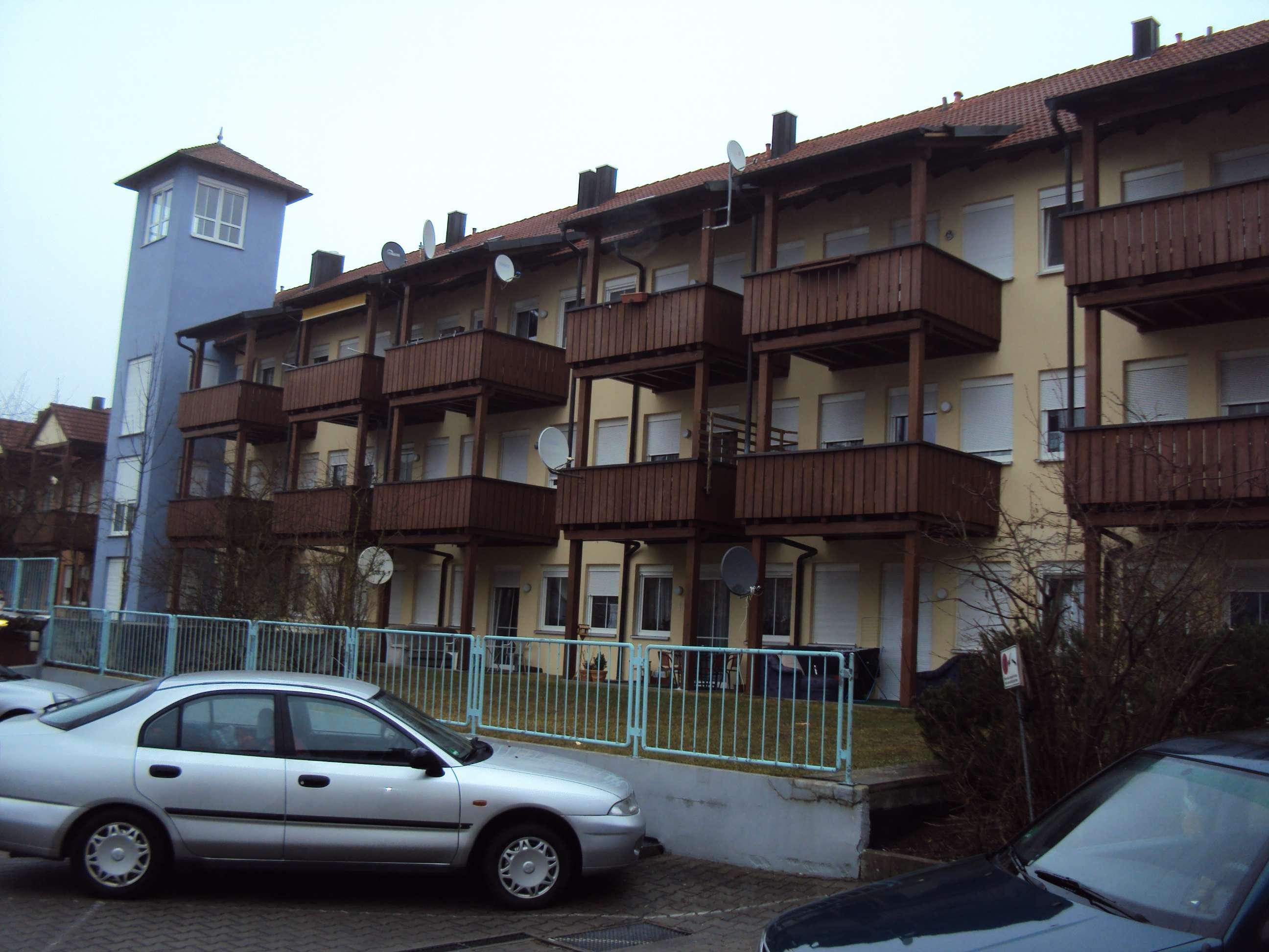 2 Zimmer Wohnung mit Tiefgaragenstellplatz, Balkon und Kellerraum in Burgau in