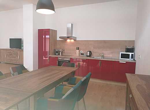 Sehr schöne, frisch renovierte Wohnung mit großer Terrasse