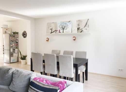 helle geräumige 3-Zimmerwohnung   offener Wohn- Koch und Essbereich   helles großes Bad   Westbalkon