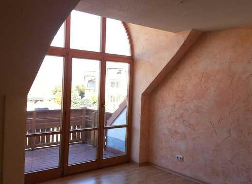Sonnige 3-Zimmer-Maisonette-Wohnung mit Balkon und EBK nahe Pferdekoppeln